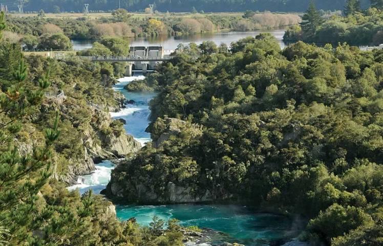 Aratiatia-Dam-Rapids-Lake-Taupo.CEXXcw